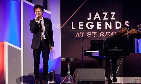 Jamie Cullum live at St. Regis Dubai – pictures