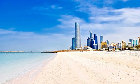 abu_dhabi_family_beach_1