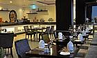 Al Qasr Restaurant Image