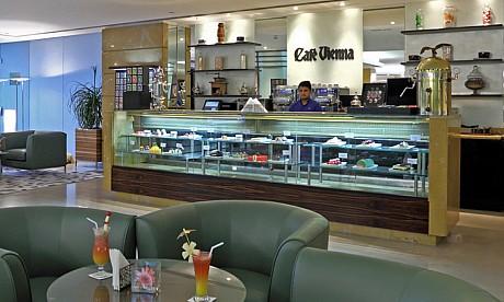 Cafe Vienna image